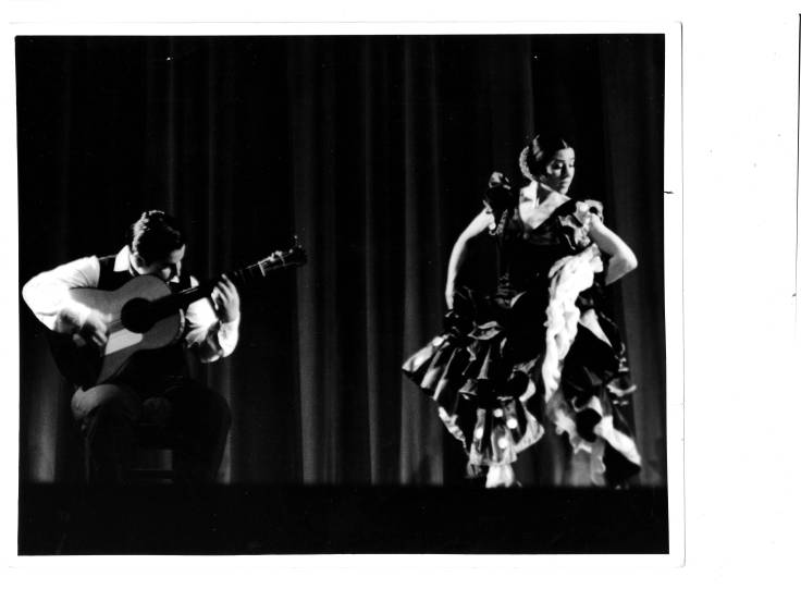 Inesita and Carlos Rubio in a performance. 1966