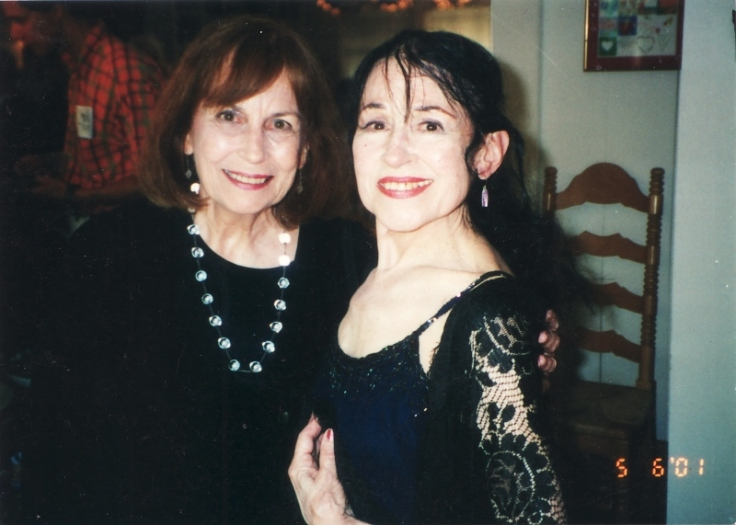 bess-karp-harpsichordist-at-the-reception-after-inesitas-first-concert-for-the-harpsichord-artists-series-in-2001-800x571