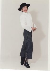 inesita-in-a-campero-costume-2000-562x800